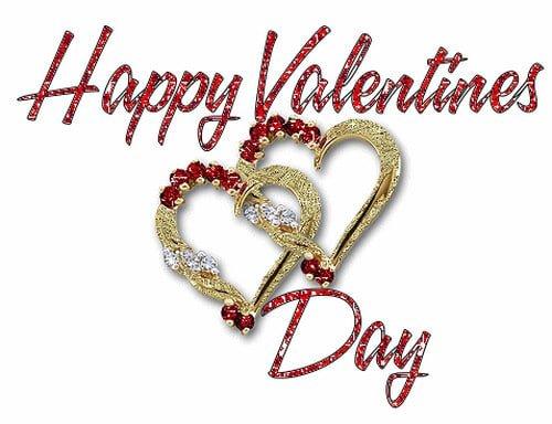 Thiệp valentine với hai trái tim móc vào nhau biểu tượng cho tình yêu hạnh phúc