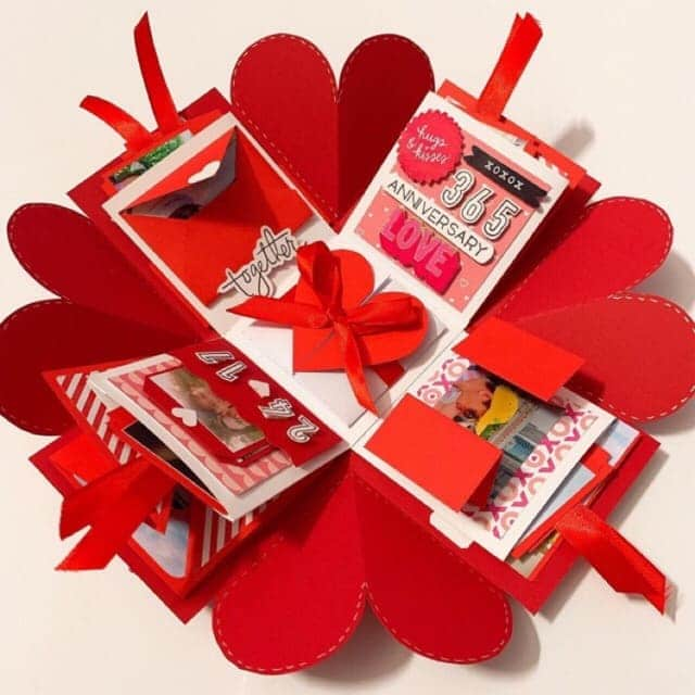 món quà handmade với những tấm hình ý nghĩa của cặp đôi